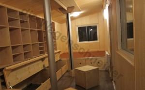 Sitzdruhen und Schubkästen sowie viele kleine Fächer im Oberlichtwagen.