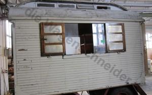 Die tüpischen Kurbelfenster und Fensterläden der Firma Pfaff.