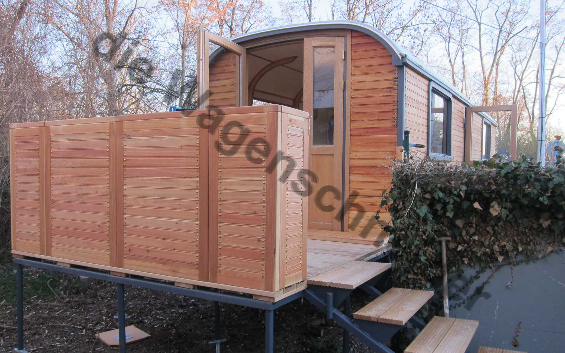 labor im zirkuswagen. Black Bedroom Furniture Sets. Home Design Ideas